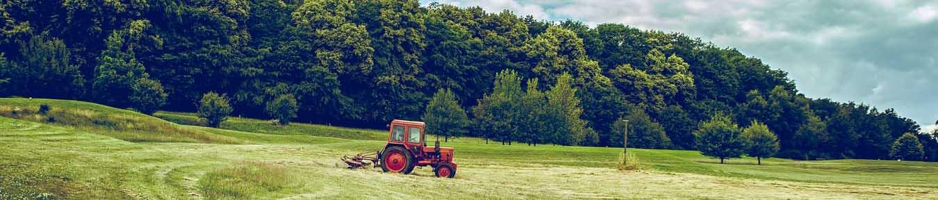 ueber uns evers landmakler landwirtschaftliche flaechen traktor